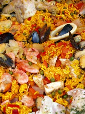 image showing Paella, easy and delicious, put it all in the pan and do something else for a while